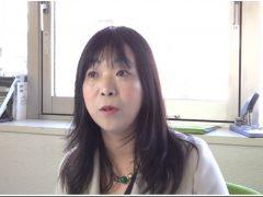 ヘイトスピーチ対策法についてインタビューに応じる伊藤和子(2016年5月21日)写真は動画より後藤由耶氏撮影